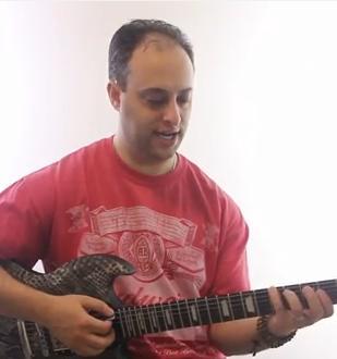 Triad-Chord-Lesson--Minor-Chord-Shapes