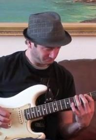 How to Play the Minor & Major Pentatonic Scales - Lead Guitar Lesson