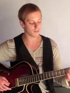 Learn to Play Basic Barre Chords -- Easy Guitar Lesson on Barre Chords