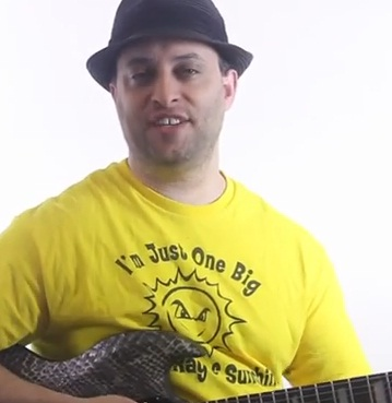 Basic Guitar Lick with Chromatic Patterns - Lead Guitar Lesson on Chromatic Licks - Part 4