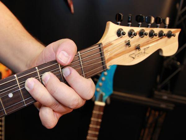 beginner_guitars.jpg