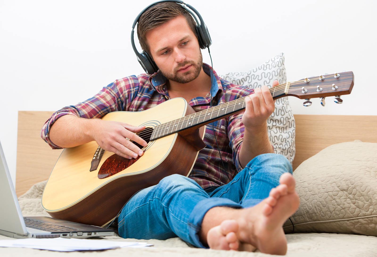 learn-guitar-online.jpg